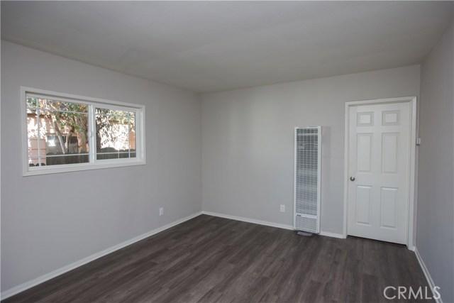 10244 Whitegate Avenue, Sunland CA: http://media.crmls.org/medias/b142c9bd-43c5-45c3-8a76-b3053d9f4f2f.jpg