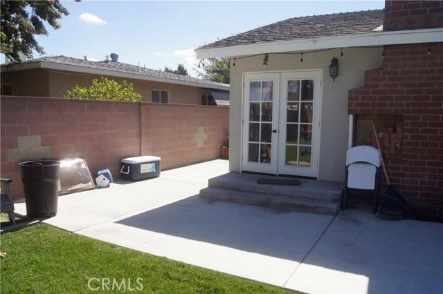 2813 W Devoy Dr, Anaheim, CA 92804 Photo 2