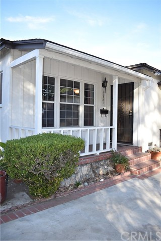 Detail Gallery Image 1 of 1 For 13821 Cohasset St, Van Nuys,  CA 91405 - 3 Beds | 1 Baths
