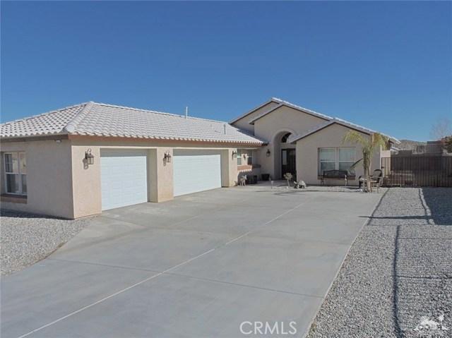 57130 Selecta Avenue, Yucca Valley CA: http://media.crmls.org/medias/b15aa20d-e5e4-43ed-b2e2-3ddf899c5425.jpg