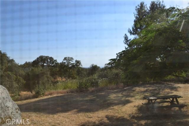 33050 Road 416, Coarsegold CA: http://media.crmls.org/medias/b15e57b1-a04f-4362-af4c-11cf0a7e956d.jpg