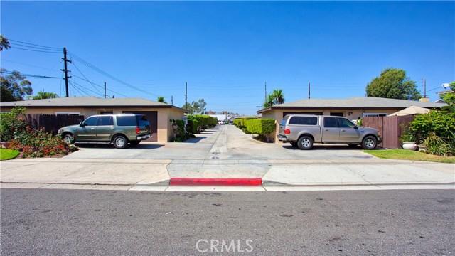 2077 Wallace Avenue, Costa Mesa CA: http://media.crmls.org/medias/b15ed65f-a152-4796-82d2-243c5b62b3f8.jpg