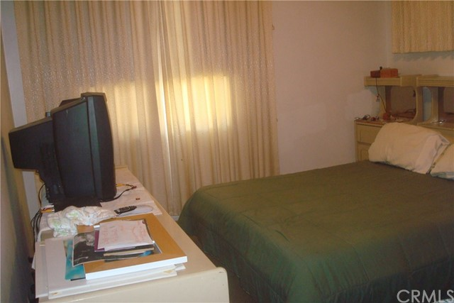 546 N Harcourt St, Anaheim, CA 92801 Photo 12