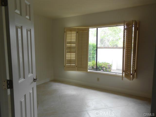 6 Vista, Irvine CA: http://media.crmls.org/medias/b160b4ee-6141-41bc-ab17-d44eea23c32c.jpg