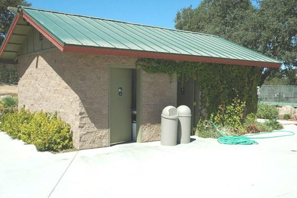 5040 Meadow Lark Lane, Paso Robles CA: http://media.crmls.org/medias/b16ac70d-36b6-469d-818a-cb9e394db4f7.jpg