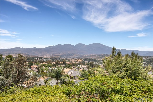 27642 Cenajo Mission Viejo, CA 92691 is listed for sale as MLS Listing OC16733985