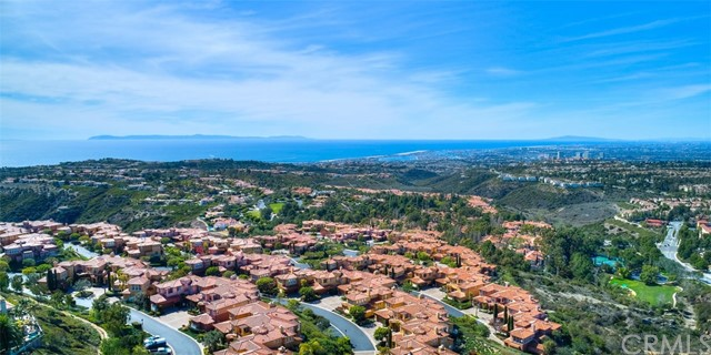 4 Via Giada, Newport Coast CA: http://media.crmls.org/medias/b18d30fa-632e-45c6-b9b2-982eb815d848.jpg