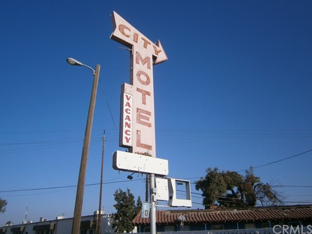 2309 S G Street, Fresno, CA 93721