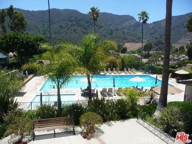 17175 Avenida De Santa Ynez, Pacific Palisades CA: http://media.crmls.org/medias/b194e31e-ea7a-4e99-acf5-c513635c24de.jpg