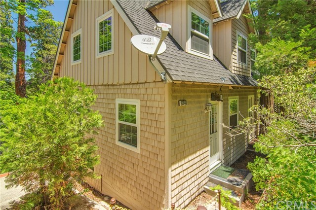 27848 Lakes Edge Road Lake Arrowhead, CA 92352 - MLS #: IV18124436