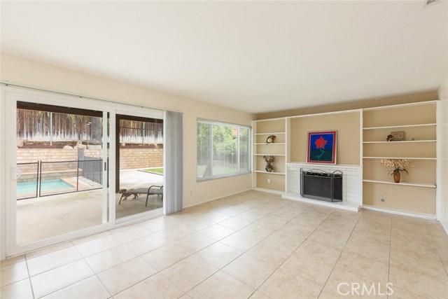 1361 Rosehill Drive, Riverside CA: http://media.crmls.org/medias/b1a87583-adb9-4e1f-a239-4c9334921454.jpg
