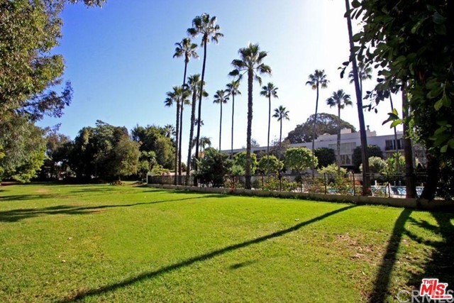 239 S Barrington Avenue Unit F2 Los Angeles, CA 90049 - MLS #: CV18263181