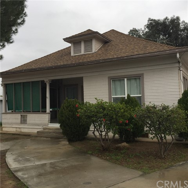 Single Family Home for Sale at 4270 Bermuda Avenue Riverside, California 92507 United States