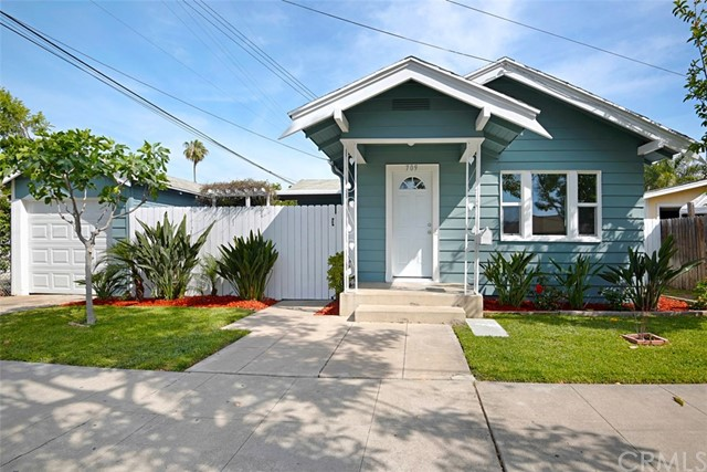Single Family Home for Sale at 709 Cubbon Street W Santa Ana, California 92701 United States