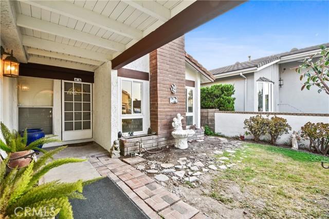 3492 Eboe Street, Irvine CA: http://media.crmls.org/medias/b1f39ca5-1215-44ec-9d09-c073a91960e3.jpg