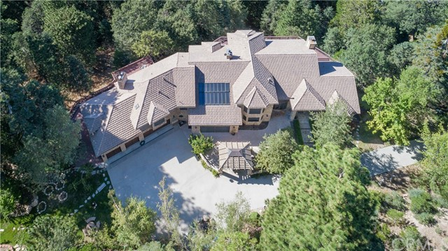 293 Fairway Drive Lake Arrowhead, CA 92352 - MLS #: EV17144716