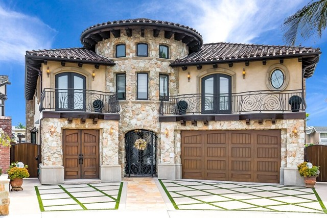 4002  Diablo Circle, Huntington Beach, California