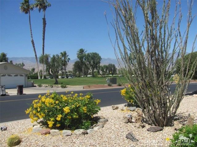 38934 Desert Greens Drive, Palm Desert CA: http://media.crmls.org/medias/b2062f63-7c54-400e-b803-7d647a457382.jpg