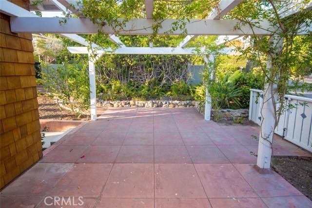 383 High Drive, Laguna Beach CA: http://media.crmls.org/medias/b2066fea-5406-468a-91d6-0f2b94dd625e.jpg