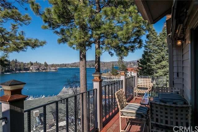 4 Village Bay, Lake Arrowhead, CA 92352