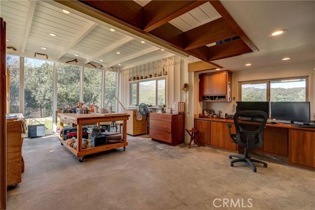 5000 Live Oak Canyon Road, La Verne CA: http://media.crmls.org/medias/b2126319-9039-40e5-ae9d-7ad5f0c5f581.jpg