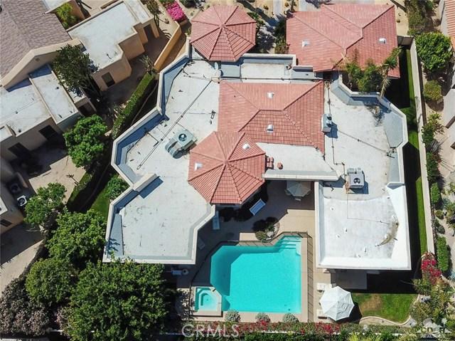 48870 View Drive, Palm Desert CA: http://media.crmls.org/medias/b2185de2-e35e-46e4-ab4d-c5765774f0c2.jpg