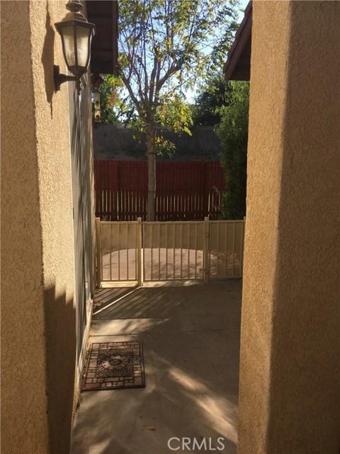 1147 Desert Fox Court, Beaumont CA: http://media.crmls.org/medias/b21fd5e9-3dda-4af3-8f5d-70f6fe685269.jpg