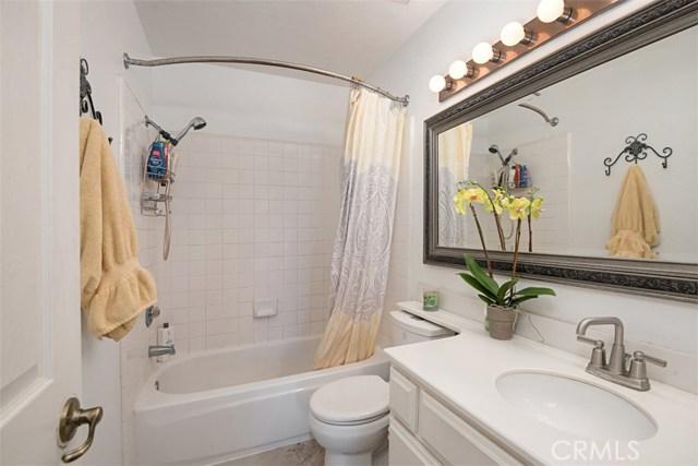59 Wisteria Place, Aliso Viejo CA: http://media.crmls.org/medias/b221d6a0-a9a7-493d-a674-aa31f39cd8fb.jpg