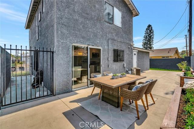 850 E 116th Place, Los Angeles CA: http://media.crmls.org/medias/b223e5bc-2e15-4a62-b1a0-e208200b47e2.jpg