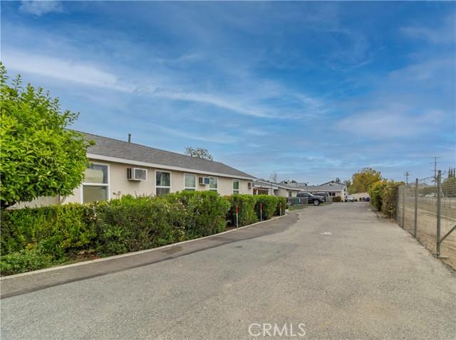 8150 Cypress Avenue, Riverside CA: http://media.crmls.org/medias/b224f743-ea54-4fd0-b336-6ea153090753.jpg