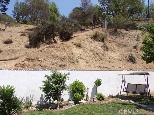 8528 Bluffdale Drive, Sun Valley CA: http://media.crmls.org/medias/b2268f5a-6c16-480f-b725-1a6f612bf84b.jpg
