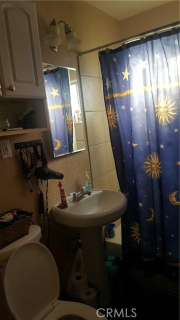 236 E 42nd Street, San Bernardino CA: http://media.crmls.org/medias/b230a04b-be86-48ef-99d3-a78d44e5b5bc.jpg