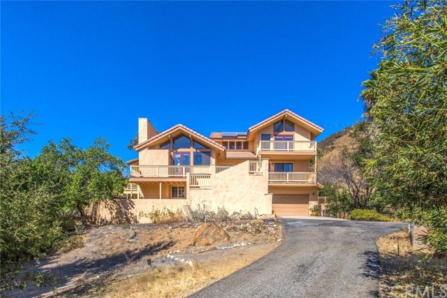 Photo of 13780 Calle De Los Pinos Road, Lake Elsinore, CA 92530