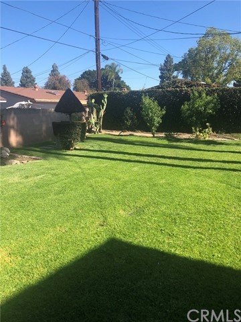 954 S Peregrine Pl, Anaheim, CA 92806 Photo 11