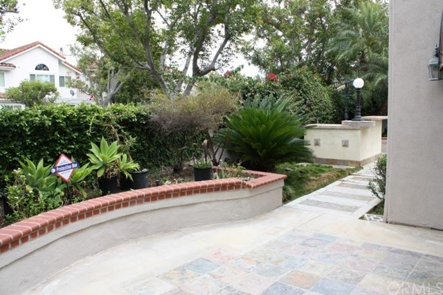 20 Del Azul, Irvine CA: http://media.crmls.org/medias/b2683b18-0020-4fde-a9bb-9ff843142b0c.jpg