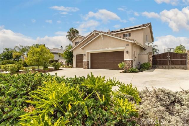 19220 Buckboard Lane, Riverside CA: http://media.crmls.org/medias/b2876cd1-507e-42a8-b026-463ef445c77e.jpg