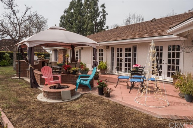 25122 Buckskin Drive, Laguna Hills CA: http://media.crmls.org/medias/b2939d07-dde6-47dc-959b-f08487ad7bc6.jpg
