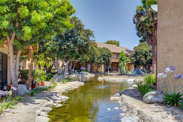 147 Lemon Grove, Irvine CA: http://media.crmls.org/medias/b295ced4-cb17-427f-8c70-8d762bc068fb.jpg