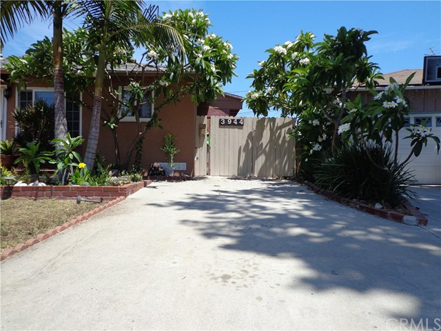 3944 N Frijo Avenue, Covina CA: http://media.crmls.org/medias/b2a84399-b994-400f-8e92-242ee9384106.jpg