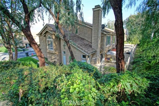 13204 Setting Sun Court, Chino Hills CA: http://media.crmls.org/medias/b2aacce5-5900-4f8c-8232-691841220f41.jpg