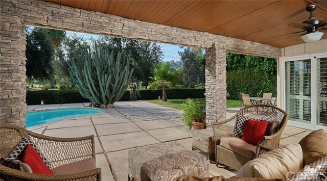 71443 Country Club Drive, Rancho Mirage CA: http://media.crmls.org/medias/b2bd0c24-ca2b-4612-a151-e6aaf6a1e8d1.jpg