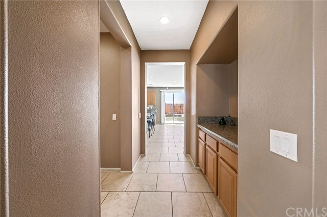 37275 High Ridge Drive, Beaumont CA: http://media.crmls.org/medias/b2c7923f-ef02-4718-971c-8008dd912e28.jpg