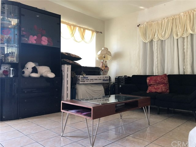 2326 Granada Avenue, South El Monte CA: http://media.crmls.org/medias/b2d3db68-a9a9-45f4-8eea-766cfe7105f3.jpg