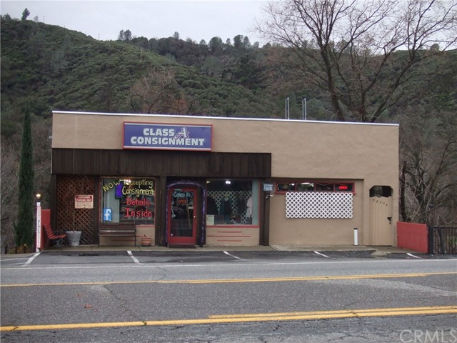 5057 Highway 140, Mariposa CA: http://media.crmls.org/medias/b2ec3255-8f6b-47a2-9c23-a71d87cf1c5e.jpg