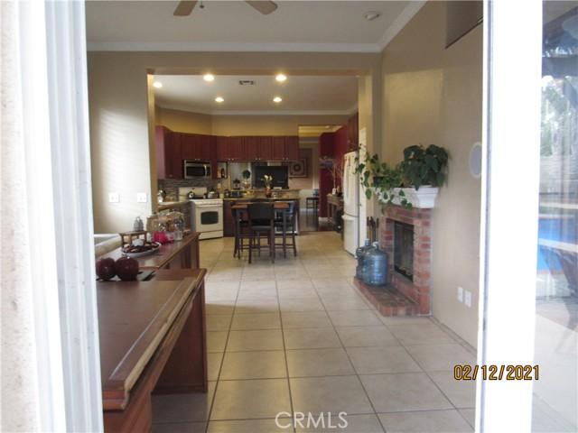 6783 Palo Verde Place, Rancho Cucamonga CA: http://media.crmls.org/medias/b2eec847-86a5-4b5a-b699-1bc7f0b41d88.jpg