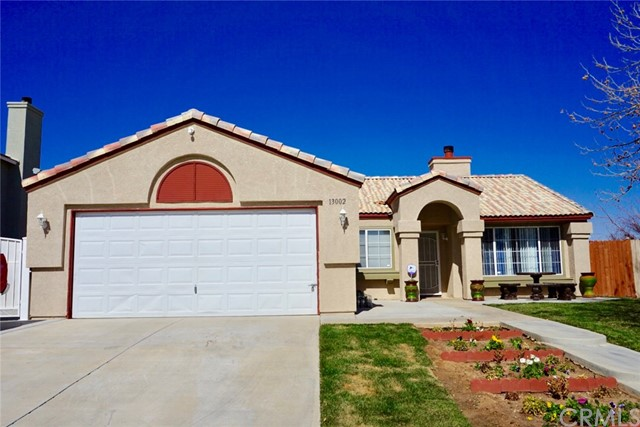 13002 Haverford Court, Victorville CA: http://media.crmls.org/medias/b2fd5a0e-f290-4365-b6bd-f74e421ad84b.jpg