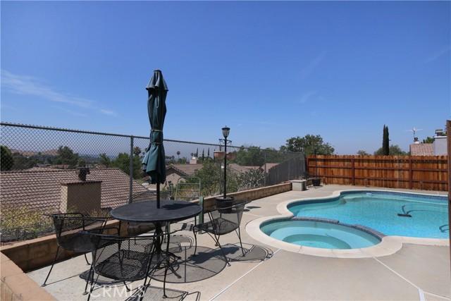 274 Celeste Drive, Riverside CA: http://media.crmls.org/medias/b302f5fc-75a1-4ff0-9f08-71978dbf23d2.jpg