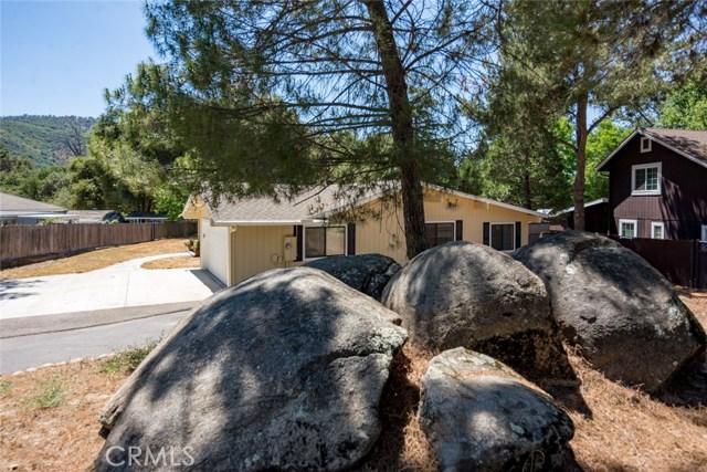 40768 Griffin Drive, Oakhurst CA: http://media.crmls.org/medias/b3136820-8798-4750-b438-c7b4143e0661.jpg