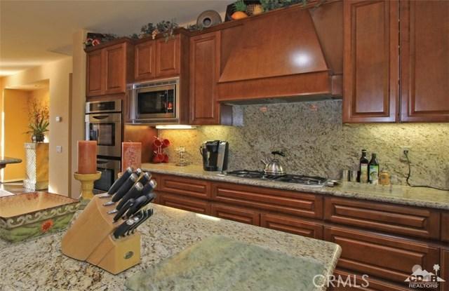 46180 Cypress Estates Court, Palm Desert CA: http://media.crmls.org/medias/b3187906-3084-4cf4-a156-2db362a5d129.jpg