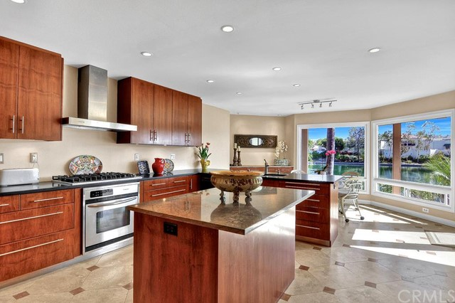 Single Family Home for Sale at 27645 Chapala St Mission Viejo, California 92692 United States